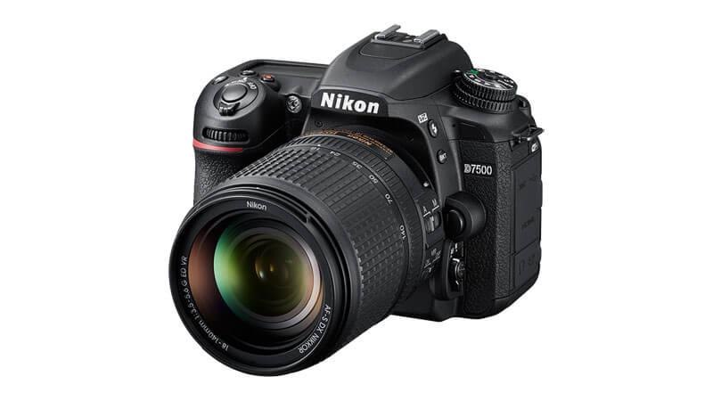 Cámara Nikon D7500 para grabar videos de excelente calidad y con más detalle.