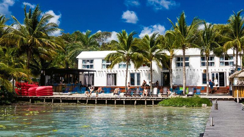 The Yak Lake House - Hostal